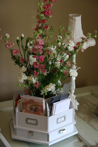 Flowers_on_desk_2